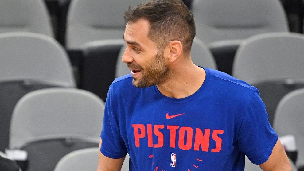 Calderón sonríe antes del partido