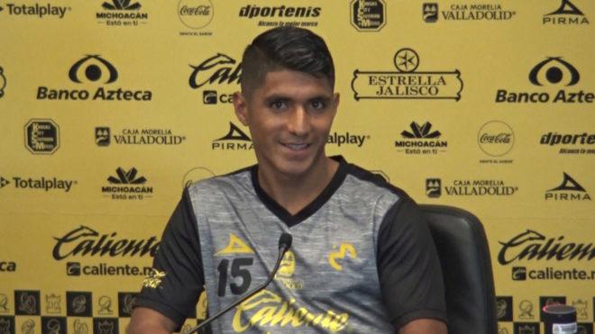 Cándido durante una conferencia de prensa.