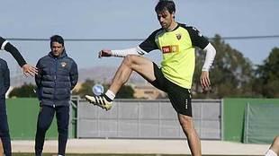 Sergio Pelegrín ante Toril, durante un entrenamiento en su etapa de...