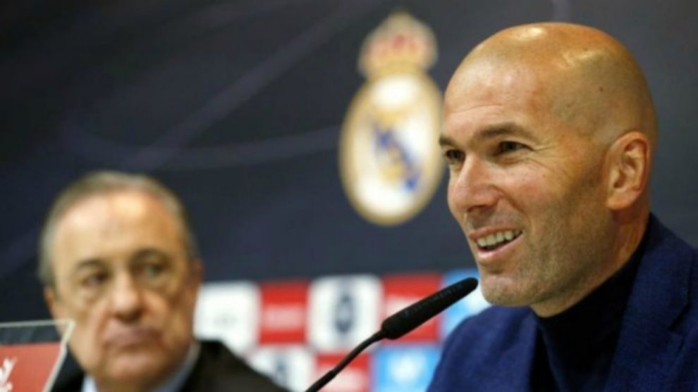 Zidane durante la rueda de prensa de su despedida