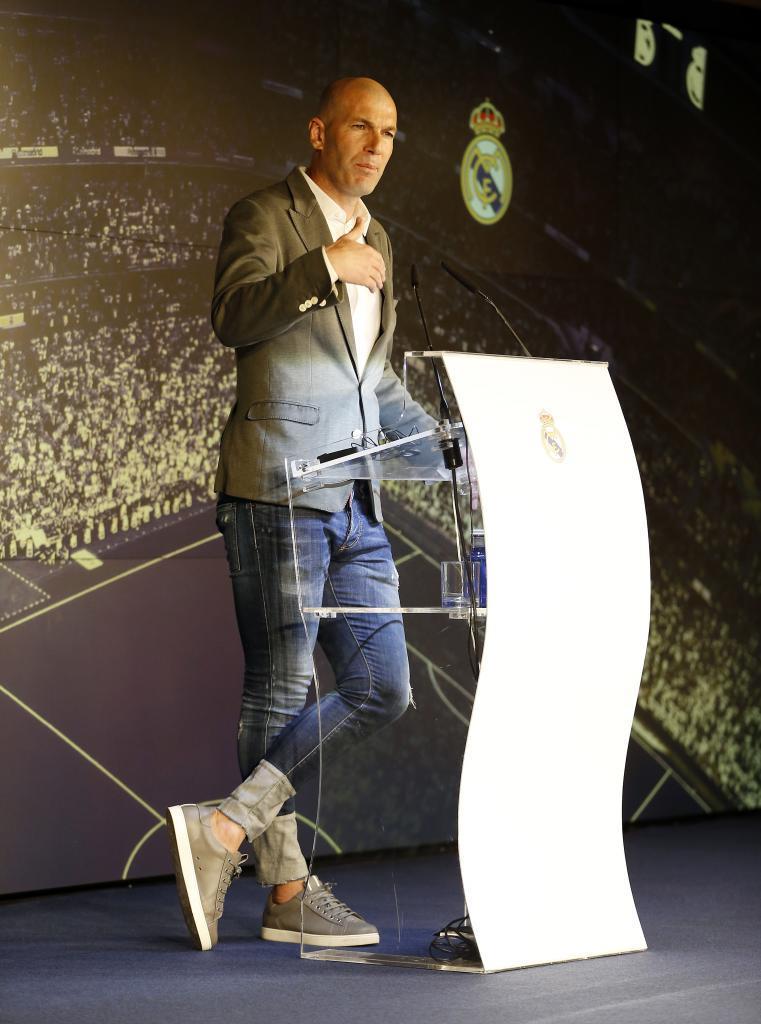 Los pantalones 'juveniles' de Zidane en su presentación