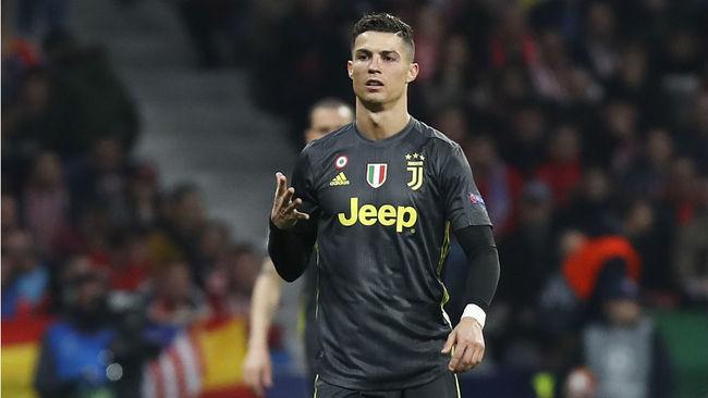 Cristiano se dirige al Metropolitano con el gesto de sus cinco...
