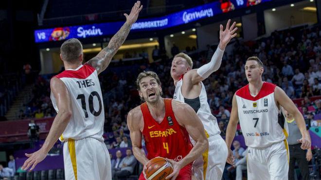 Pau gasol en un partido con la selección el pasado Eurobasket