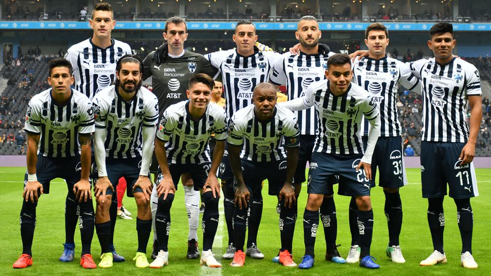Foto oficial de Rayados vs Lobos , con cuatro de los convocados:...