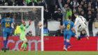 Ronaldo bate a Oblak en el Juventus Stadium.