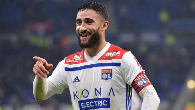 Fekir during a match for Lyon.