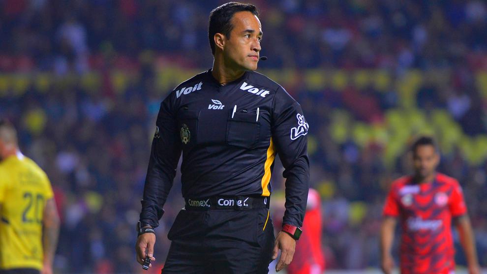 Jorge Isaac Rojas durante el Morelia vs Veracruz de la fecha 3.
