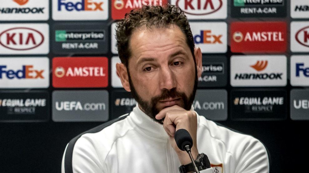 Pablo Machín (43), en la rueda de prensa previa al Slavia-Sevilla.