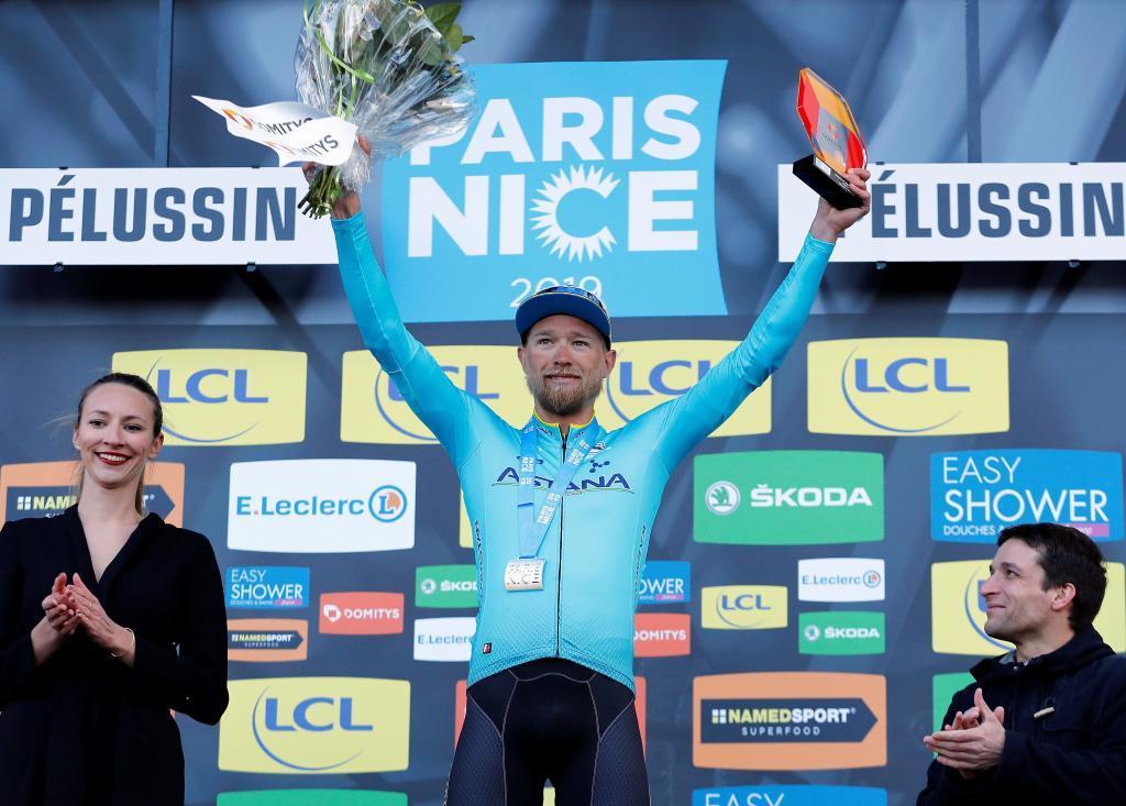 EPA4871. PÉLUSSIN (FRANCIA), 13/03/2019.- El ciclista danés Magnus Cort-Nielsen del equipo Astana Pro Team celebra en el podio su triunfo en la cuarta etapa de la París <HIT>Niza</HIT>, de 212 kilómetros, este miércoles en Pélussin (Francia). EFE/ Sebastien Nogier