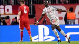 Mané celebra uno de sus dos goles al Bayern