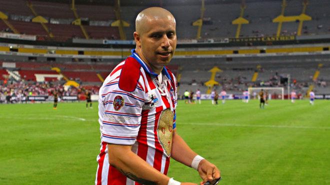 Adolfo Bautista responde a Oribe Peralta.