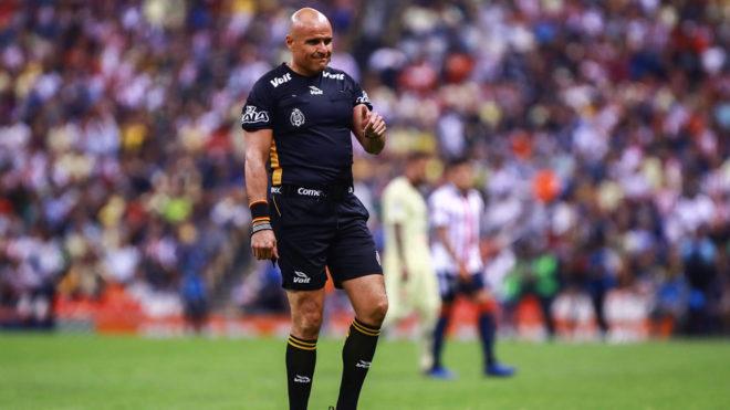 Francisco Chacón recibió reclamos por ambas partes