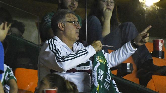 Gerardo Martino continúa su gira por los estadios.