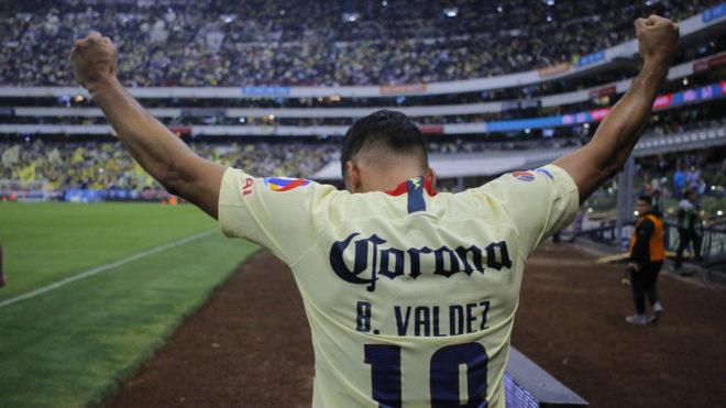 Bruno Valdez adelanta al América.