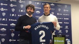 Mantovani, durante su presentación como nuevo futbolista del Huesca.
