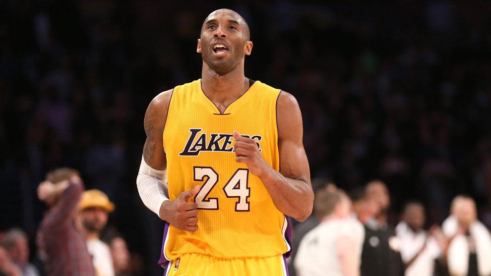Kobe Bryant en un partido con los Lakers