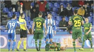 Expósito ve la roja durante el partido ante la UD
