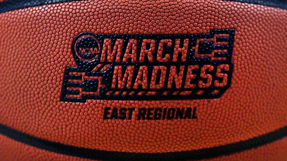 Balón del regional del este en el torneo de la NCAA de 2018.