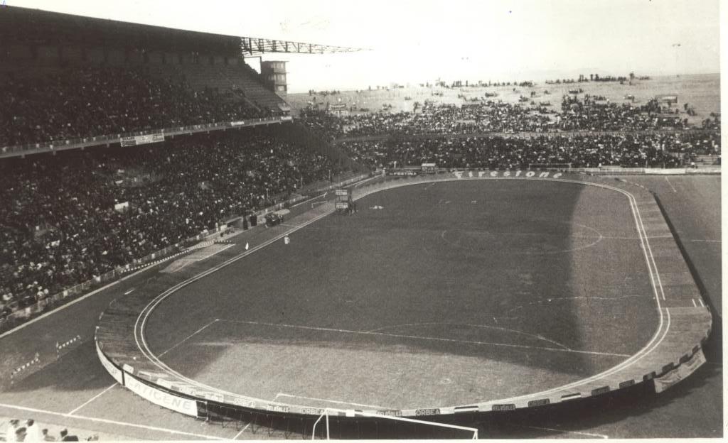 Imagen curiosa de Mestalla convertido en Velódromo en un final de...
