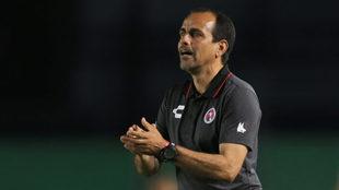 """Óscar Pareja: """"Tigres y Monterrey han marcado una diferencia en..."""