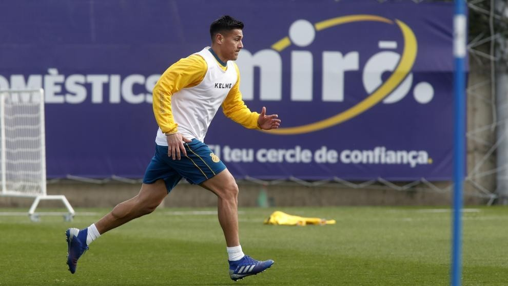 Óscar Duarte, baja contra el Sevilla por un edema óseo
