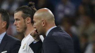 Bale y Zidane, durante un partido
