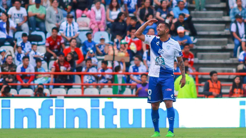 Edwin Cardona festeja su gol ante los Xolos