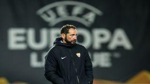 Machín, en el entrenamiento previo al partido con el Slavia.