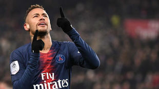 Neymar, celebrando un gol con el PSG.