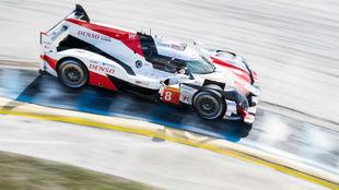 El Toyota de Fernando Alonso, en Sebring.