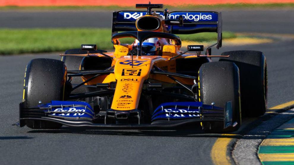 Hamilton arrasa en la Q2 con un nuevo récord de pista