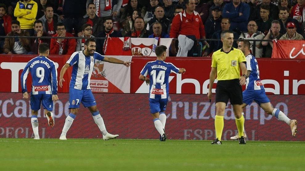 Borja Iglesias celebrating his goal at the Sánchez Pizjuán.