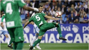 Linares, en la jugada que terminó en su gol