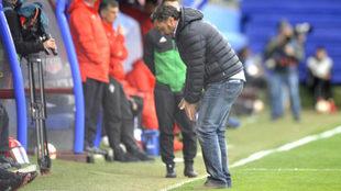 Sergio González gesticula durante el Eibar-Valladolid.