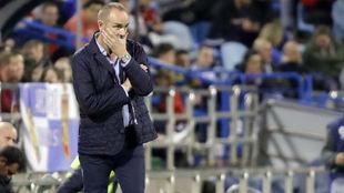Víctor Fernández, durante el último partido en La Romareda.