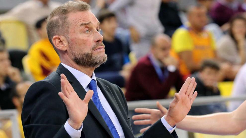 Néstor 'Che' García gesticula durante un partido cuando aún...