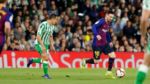 Guardado, ante Messi