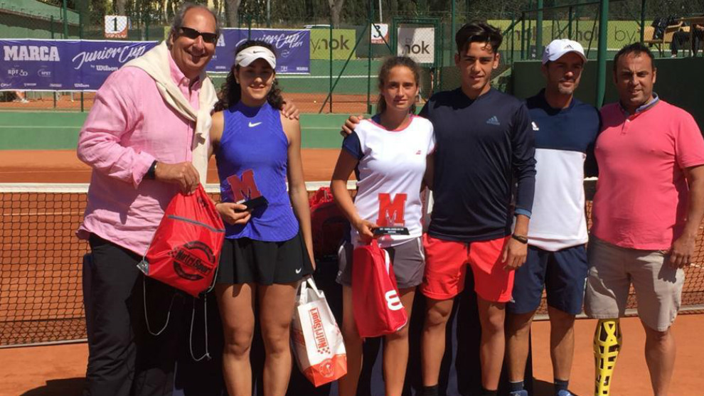Campeona y finalista del torneo femenino, con Ángel Guerrero