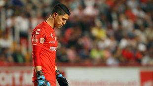 Hugo, cabizbajo tras recibir un gol/