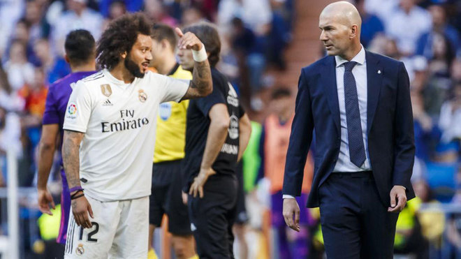 Marcelo and Zinedine Zidane during Real Madrid's match with Celta last...