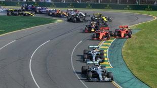 Bottas, delante de Hamilton y detrás el cerrojazo de Vettel a Leclerc