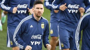 Lionel Messi se entena en la Ciudad Deportiva del Real Madrid.
