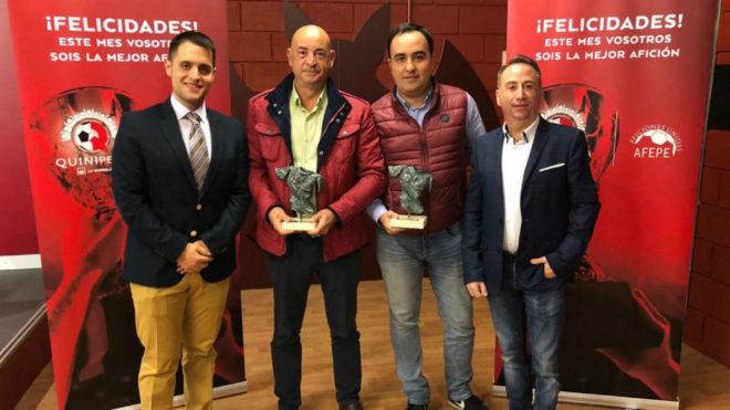 Entrega del Trofeo a la Mejor Afición de febrero de la Quinipeña a...