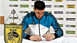 Pedro Rodríguez firma su contrato con el Balatonfüredi /