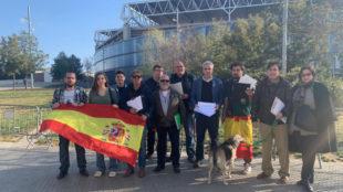 Representantes de Vox en Barcelona, junto al RCDE Stadium