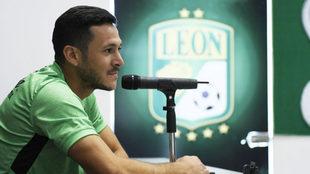 El defensa argentino ha disputado tres encuentros con La Fiera VídeoVídeo.  LIGA-MX LEÓN 64db4868cb326