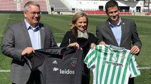 Ramón Alarcón, a la derecha, en la presentación del partido en...