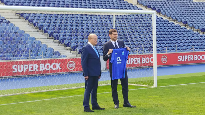 Iker Casillas and Pinto da Costa