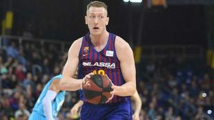 Rolands Smits va de menos a más en el Barcelona