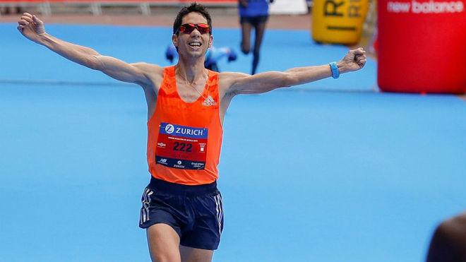 Javier Guerra llega a meta en carrera